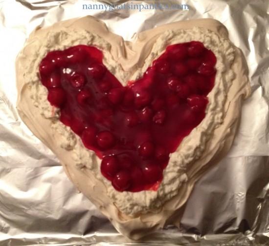 heart pavlova, pavlova photos, pavlova meringue, valentines day desserts