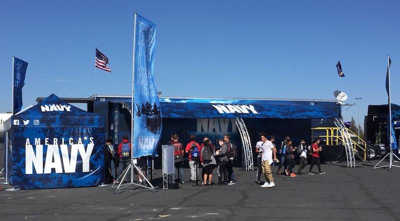 navy-vr-tour-trailer-setup-800w
